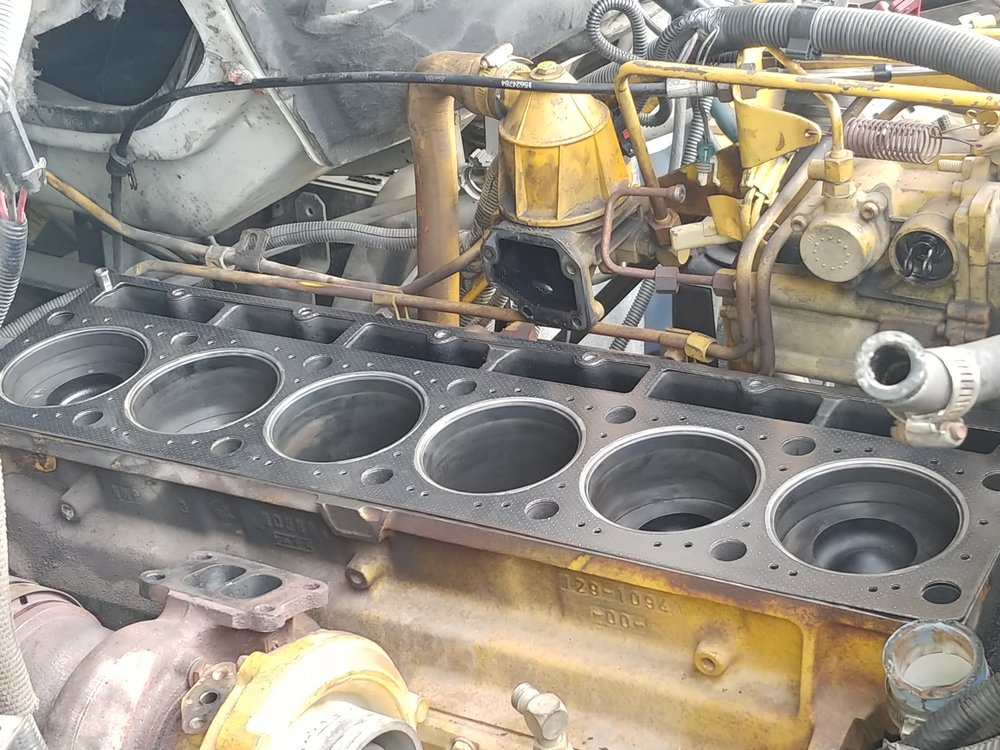 Engine Cylinder Head Service